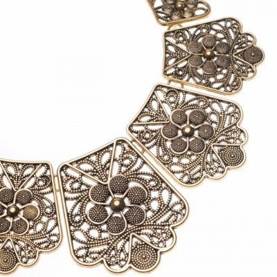 Cherry Amore - Vintage style Floral choker collar